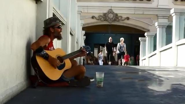 He may look messy—but this street musician hides an incredible voice!