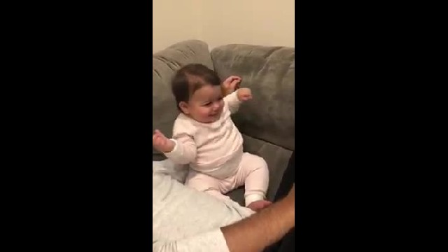 """Girl hears """"Baby Shark"""" song suddenly shaking her hips with moves even parents can't compete with"""