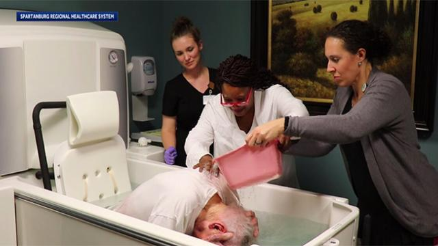 Man in hospice granted final wish of getting baptized(1)