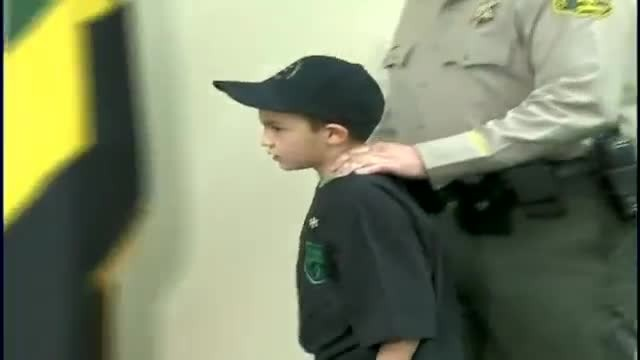7-year-old hides in bathroom from robbers – When they find him, he says 3 numbers sends them running