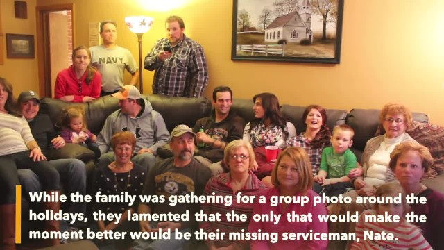 Soldier surprised his family when holiday homecoming just in time for a family picture