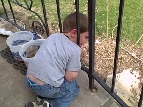 Dad Comes Up With A Brilliant Hack To Free His Naughty Boy's Head Stuck In A Fence