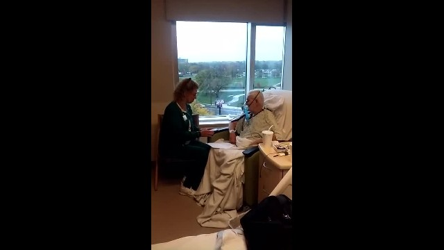 Nurse sings to breathless hospice patient leaving family shook when he musters strength to join in