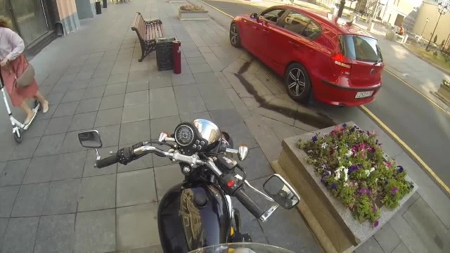 Biker Teaches Selfish Litterbug a Life Lesson for Throwing Trash out The Window