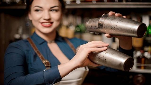 Bartender doesn't believe it when man says who he is until he leaves proof on the bill