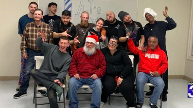 Harrisonburg barber gives free haircuts to the homeless for the holidays, there are still good heart