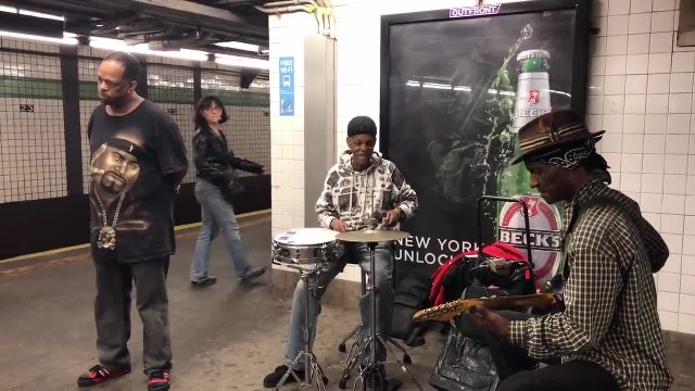 "Subway singer starts to sing ""Unchained Melody"". His bone-chilling rendition has passengers freeze i"