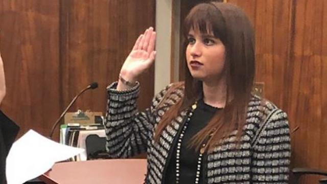 Woman is 1st openly autistic person to practice law in Florida