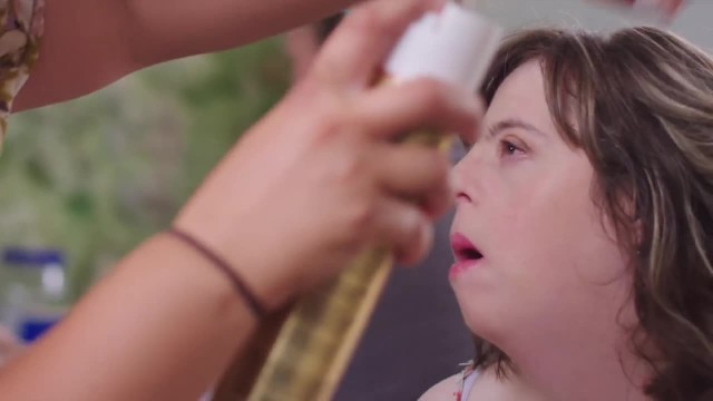 Man makes his sister with Down Syndrome feel like a supermodel