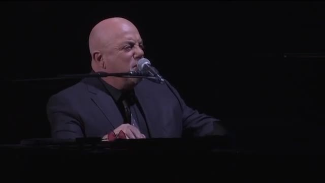 Billy Joel brings out special guest and treats crowd to a daddy-daughter power duet