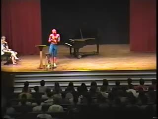 Crowd laughs when pianist plays simple song. Moments later, his act has everyone silent