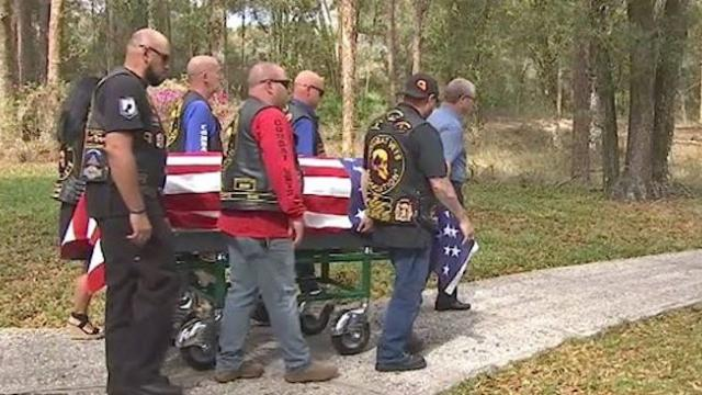 Marine vet dies alone with no one to claim him until bikers show up to grab casket for tribute