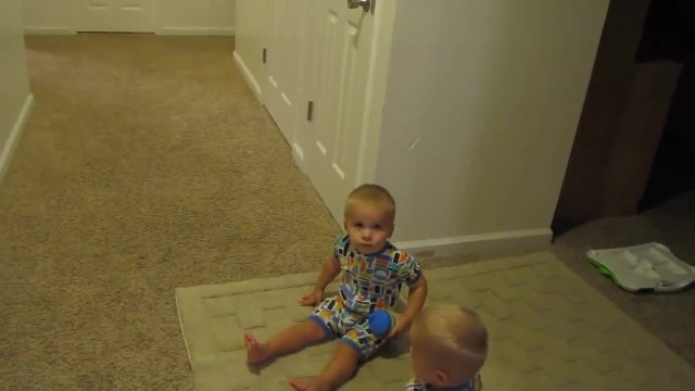 "Mom simply said, ""Go to bed"". Twins' response caught even her off guard"