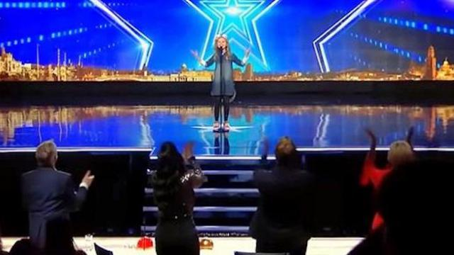 "9-year-old girl rips ceiling off with Barbra Streisand mega hit forcing judges to yell ""A Star is Bo"