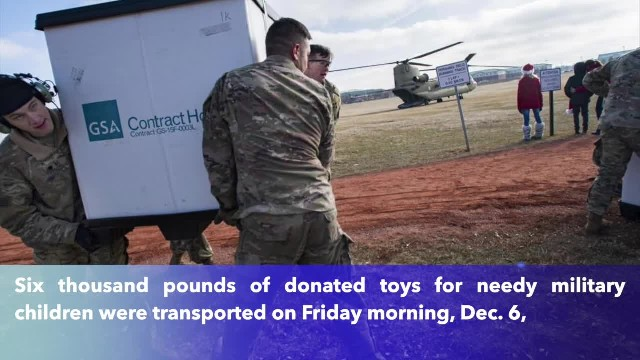 Fort Carson soldiers help round up 6,000 pounds of toys for needy military children(1)