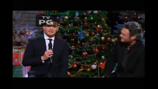 """ Blake Shelton joins Michael Bublé for moving Christmas duet in tribute to the troops"""