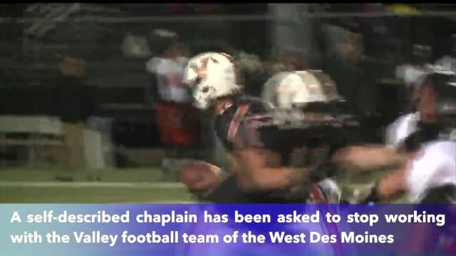 Iowa school district stops volunteer chaplain from praying with football team
