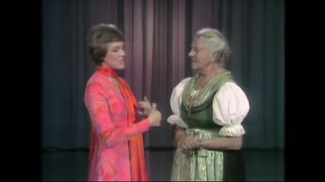 Julie Andrews Meets Real Maria Von Trapp, Doesn't Go As Planned When Maria Critiques 1 Thing