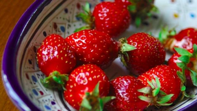 Mom shares trick to keep strawberries fresh in the fridge for weeks