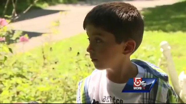 Child gets big reward for helping elderly neighbor