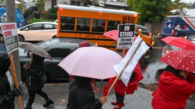 30,000 public school teachers in Los Angeles go on strike as negotiations stall