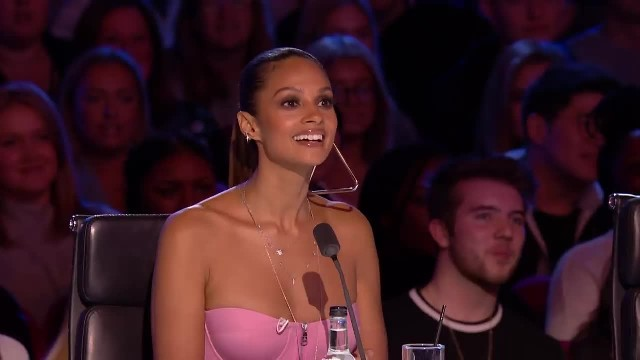 "Simon says he doesn't really like comedians on ""BGT"" — Then slams golden buzzer!"