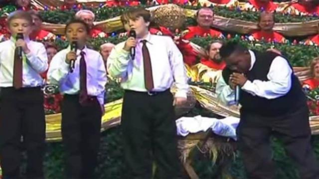 Young quartet performs song in church, has crowd losing it when