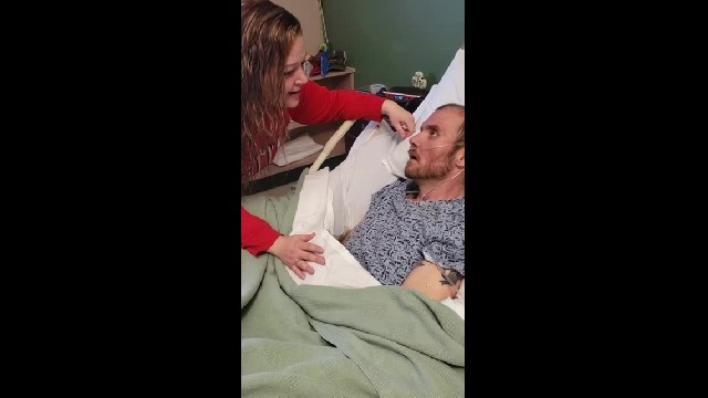 Man with rare disease is on his deathbed so his wife sings him 'Amazing Grace' one last time
