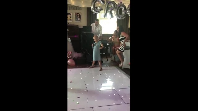 6-Year-Old Little Girl Asked To Sing At Wedding Melts Hearts Choosing The Perfect Song