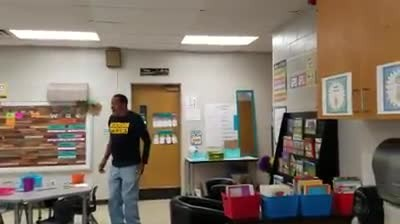 "A Kindergarten Class Learned To Sign ""Happy Birthday"" For Their Hard-Of-Hearing Custodian"