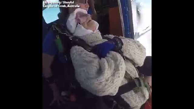 102-year-old becomes oldest skydiver in the world while jumping for charity