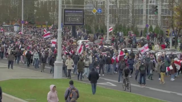 Police fire warning shots in Belarus protests