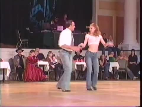 Country couple steals the show with sizzling honky tonk routine that has crowd screaming
