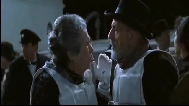 "The Real Story Behind The Old Couple Cuddling In Bed In ""Titanic"" Is Legit Heartbreaking"
