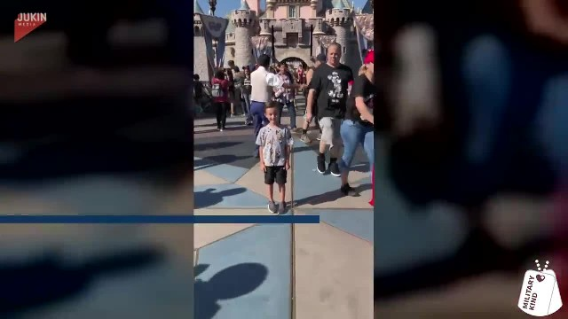 Boy At Disneyland Has Surprise Sneak Up During Photo