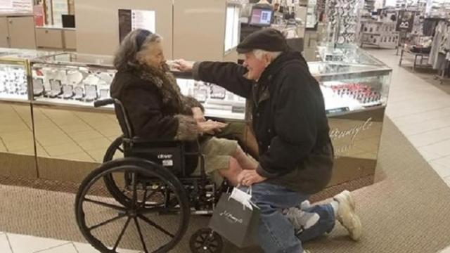 Husband drops down on one knee to propose to wife again after 63 years of marriage