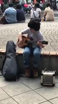 Talented boy plays the ukulele and hypnotizes everyone