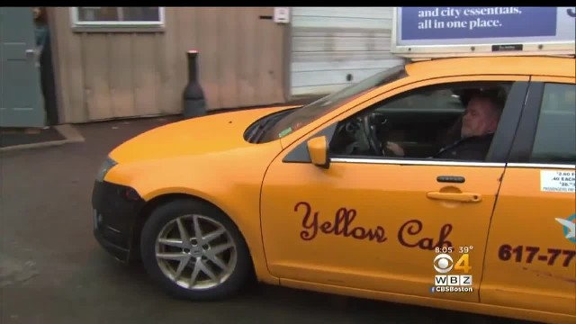 Cab driver prevents elderly woman from losing $2,000 in new scam. Here's what to be aware of