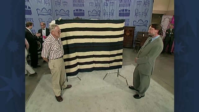 Man takes old blanket to antique roadshow. He's in tears knowing how much it's actually worth!
