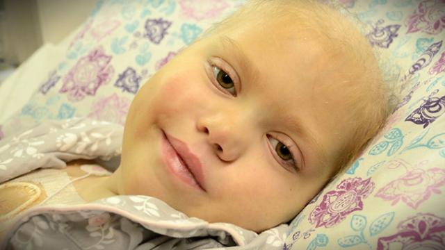 Parents witness a miracle as their dying 10-year-old opens her eyes and comes back to them