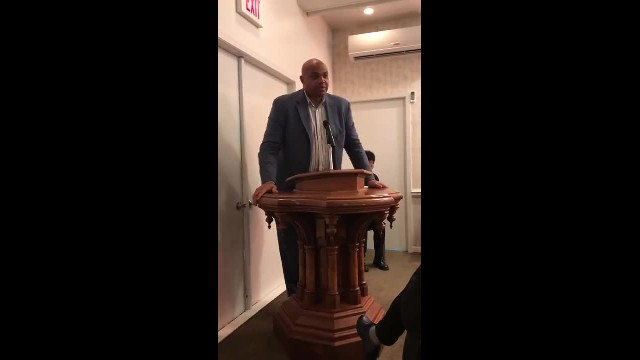 Humble Dad Forms Unlikely Friendship With Charles Barkley & Their Bond Will Move You