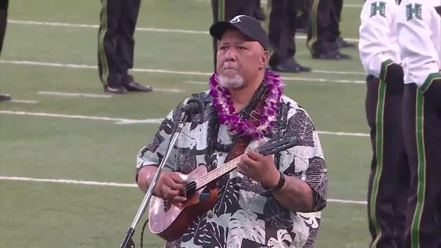 A Hawai'ian singer reinvented the national anthem and it's beautiful