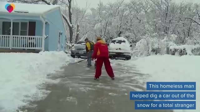 Homeless man who helped tow NFL player's car out of snow gets big reward