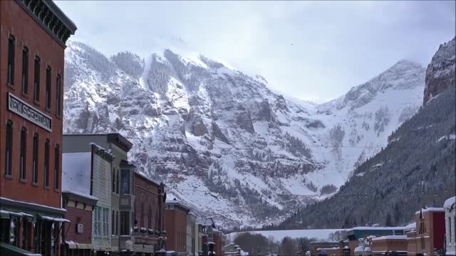 Massive avalanche in Aspen captured on camera