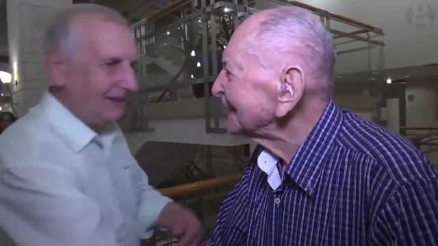 Crying 102-year-old Holocaust survivor finally meets his family after thinking they all died in 1944