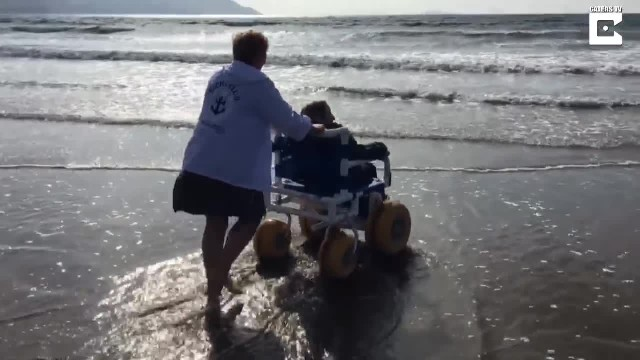 90 Year Old Vists Beach For The First Time