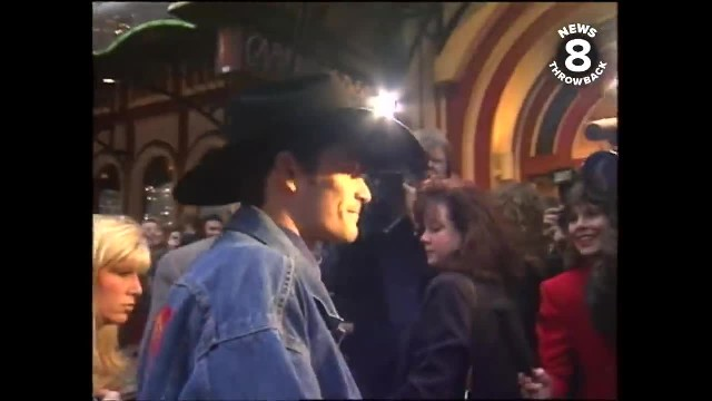 """ Lane Frost's mom breaks silence after Luke Perry's death"""