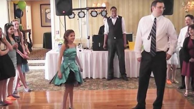 Father too shy to dance with his daughter shocks the crowd when he busts a move