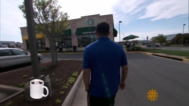 Deaf man tries to order at Starbucks but barista stops him & hands over a note