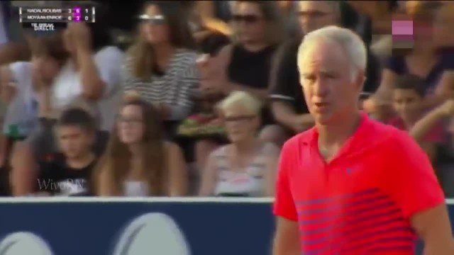 Mom in crowd can't find her daughter, but then famous tennis player stops the match to find her